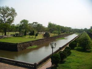 Parit sekitar Citadel Hue
