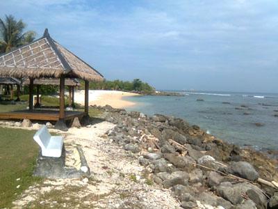 Pantai putih Tanjung Lesung
