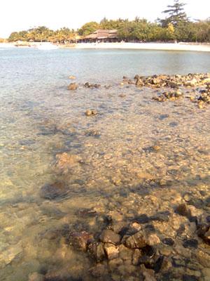 Air jernih Tanjung Lesung