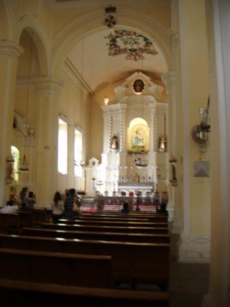 Bagian dalam St Dominic