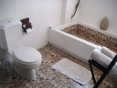 Kamar mandi Montrara