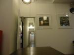 Ruang makan di 5footway Inn Sultan Mosque. Pintu menuju dapur dan kamar-kamar tidur.
